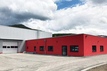 Smarte Produktionshalle inklusive Büroflächen