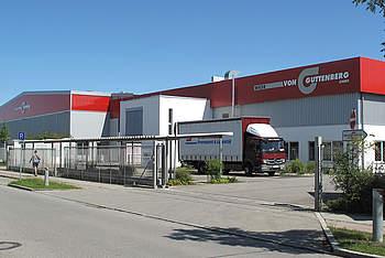 Logistik- & Lagerhalle mit Überdachung